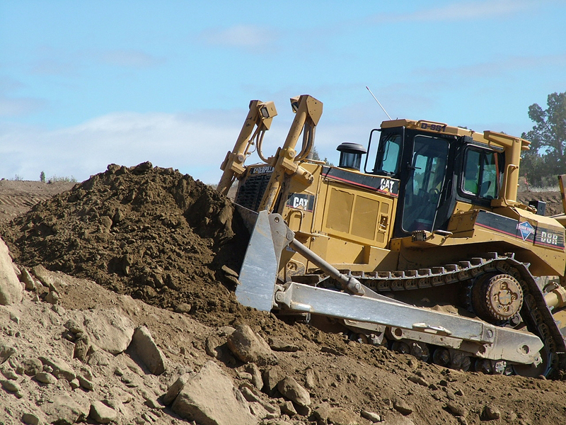 bulldozer_cat_D8R_800_600